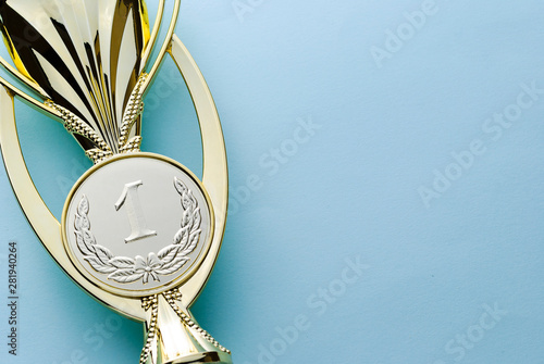 Fotografía  Gold medallion winners trophy for a competition
