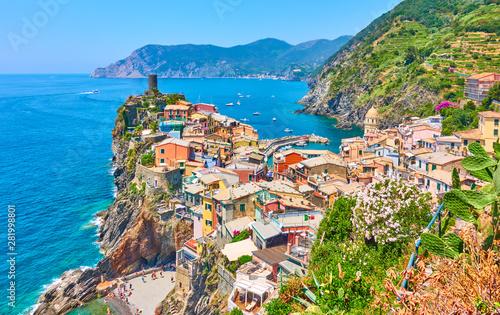 Obraz Vernazza small town in Cinque Terre - fototapety do salonu