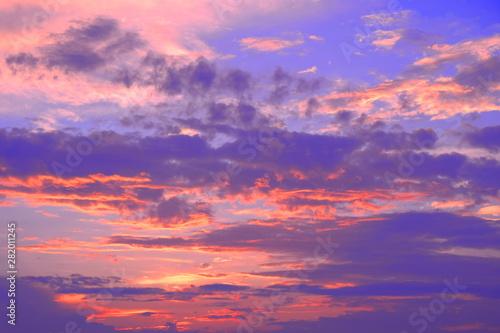 Photo sur Aluminium Prune 夏 雨上がり 幻想的な夕景