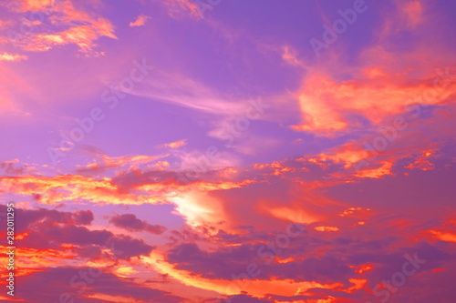 Foto op Aluminium Koraal 夏 雨上がり 幻想的な夕景