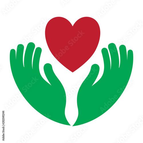 Fotografía  Hands holding heart