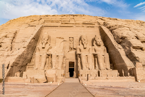 Abu Simbel temple, a magnificent landmark built by pharaoh Ramesses the Great, E Tablou Canvas