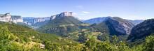 Panorama Sur Le Massif Du Verc...