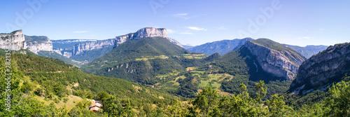 Vászonkép Panorama sur le massif du Vercors depuis le col de Toutes Aures, Choranche, Isèr