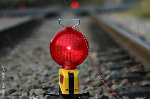 Photo Lampe de Chantier sur Voie Ferrée