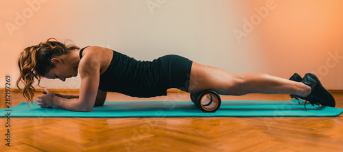 Fotomural  Foam Roller Quadriceps Massage