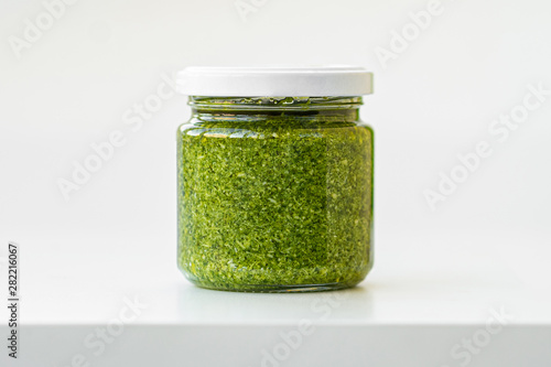 Obraz na płótnie glass jar of pesto