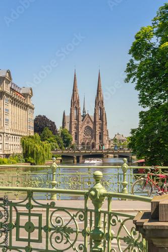 Fotografie, Obraz  Cityscape of Strasbourg and the Reformed Church Saint Paul, France