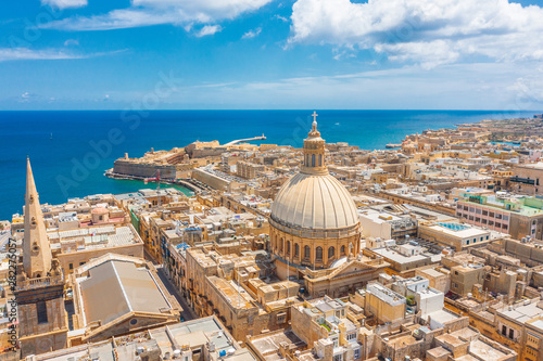 Photo sur Aluminium Con. Antique Aerial view of Lady of Mount Carmel church, St.Paul's Cathedral in Valletta city, Malta.