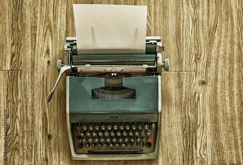 Stampa su Tela Maquina de escribir vintage con papel para escribir