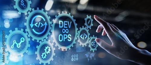 Fotografia DevOps Agile development concept on virtual screen.
