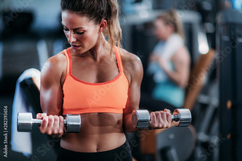 Biceps Exercise with Weights Poster Mural XXL