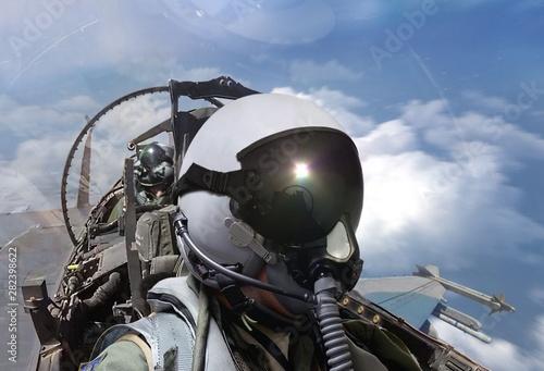 Fotografía  Fighter pilots cockpit view on routine flight