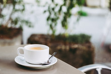 Tasse De Café Expresso En Céramique Blanche