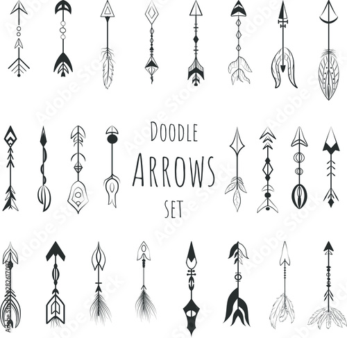 La pose en embrasure Style Boho Doodle boho arrows vector set, hand drawn icons.
