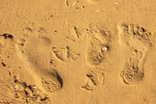 Fußspuren Im Sand Am Strand, ...