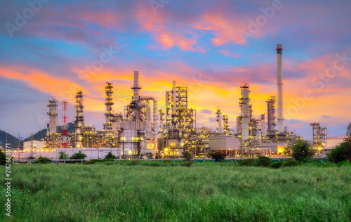 Fototapeta .Landscape of Oil and Gas Refinery Manufacturing Plant., Petrochemical or Chemical Distillation Process Buildings., Factory of Power and Energy Industrial at Twilight Sunset., Engineering Petroleum. obraz