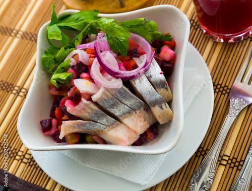 Leinwanddruck Bild - JackF : Russian beetroot salad with herring
