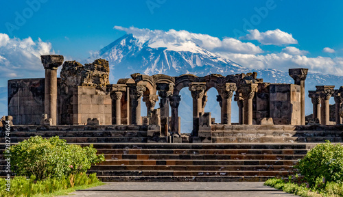 Foto auf Leinwand Kultstatte Ruins of the Zvartnos temple in Yerevan, Armenia, with Mt Ararat in the background
