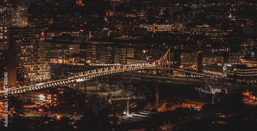 Nocny widok na Oslo stolicę Norwegii Wallpaper Mural