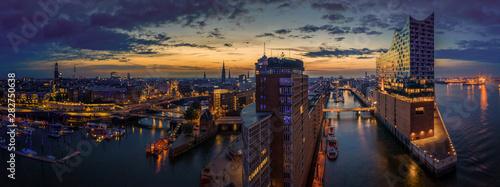 Fotografía  Hamburg Skyline erwacht