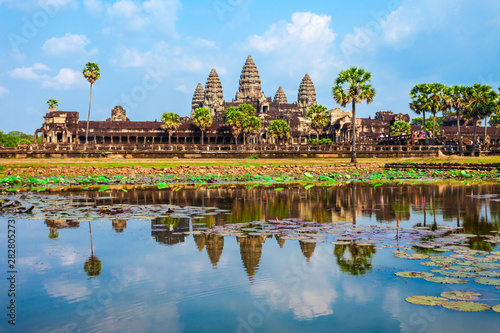 Angkor Wat temple, Siem Reap Canvas Print