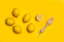 Limones Sobre Fondo Amarillo A...