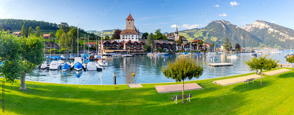 Fototapety, obrazy: Panorama of the traditional alpine village Spiez near Lake Thun.