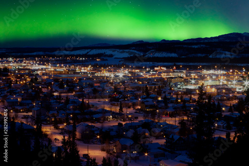 Printed kitchen splashbacks Northern lights Northern Lights over Downtown Whitehorse