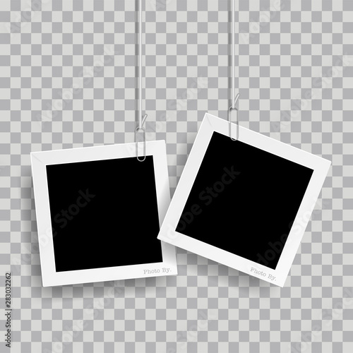 Fotografia  Retro realistic photo frame with paper clip isolated on transparent background