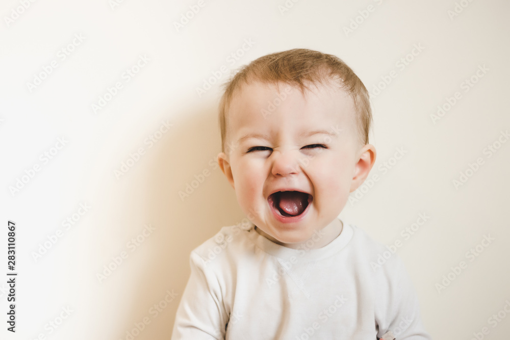 Fototapety, obrazy: Baby with flu laughing