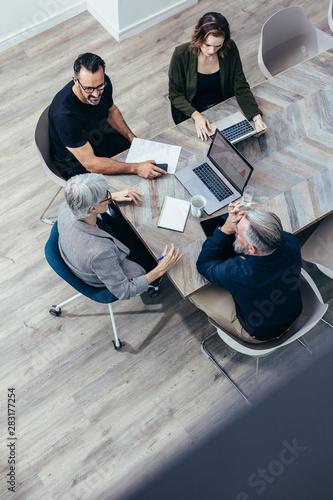 Obraz Brainstorming session in office - fototapety do salonu