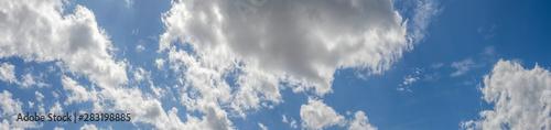 Obraz na plátně  Panorama mit graue Wolken