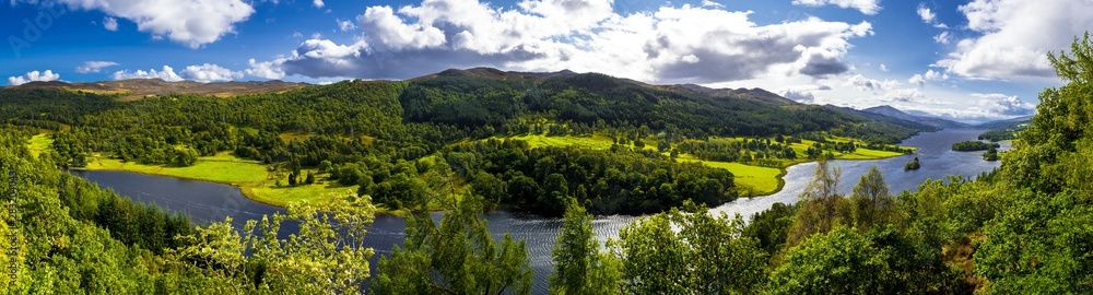 Fototapeta Panoramic View Over Loch Tummel And Tay Forest Park To The Mountains Of Glencoe From Queen's View Near Pitlochry In Scotland