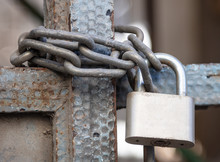 Heavy Metal Padlock With Chain...
