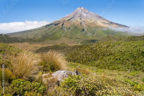 Mount Taranaki / Mount Egmont in Egmont National Park, North Island, New Zealand Tablou Canvas