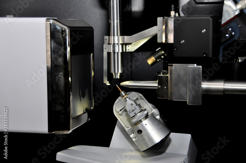Vászonkép Single-Crystal X-ray crystallography diffractometer equipment for conducting experiments in laboratory