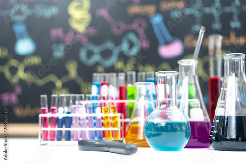 Stampa su Tela  Laboratory Research - Scientific Glassware