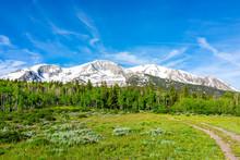 Thomas Lakes Hike With Snow Vi...