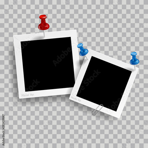 Stampa su Tela  Retro realistic photo frame with pin isolated on transparent background