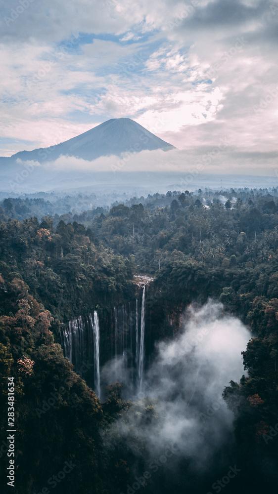 Fototapety, obrazy: semeru mountain and tempak sewu waterfall