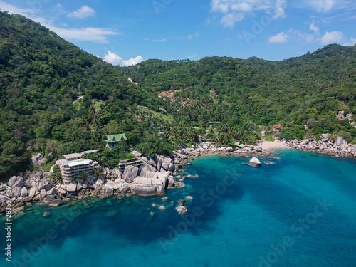Foto auf Gartenposter Khaki Aerial view on Hing Wong Bay on Koh Tao island, Thailand
