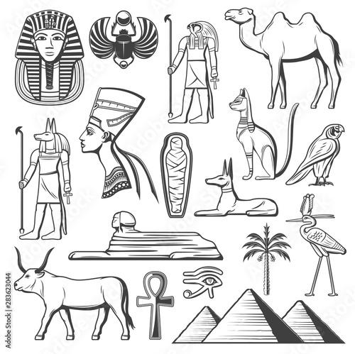 Fotografia Ancient Egyptian pharaoh, mummy, pyramids, Sphinx