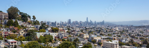 Photo  San Francisco cityscape seen from Diamond Heights and overlooking Noe Valley and downtown buildings