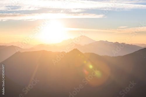 Photo Mountains on sunset
