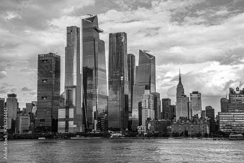 Fotografía  Hudson Yards from a boat in the Hudson River
