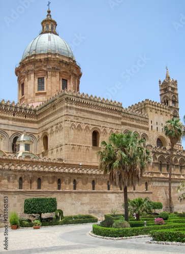 La pose en embrasure Palerme Palermo Cathedral