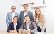 Leinwandbild Motiv Geschäftsleute bilden eine Bürogemeinschaft