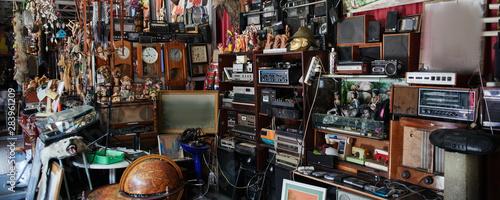 Flea market, swap meet, old rare retro things, vintage art objects Canvas-taulu
