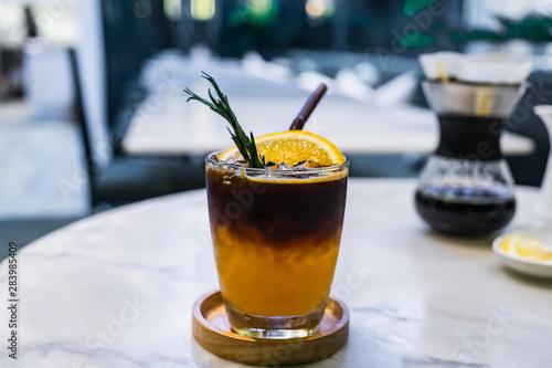 Foto Orange spiced cold brew coffee.